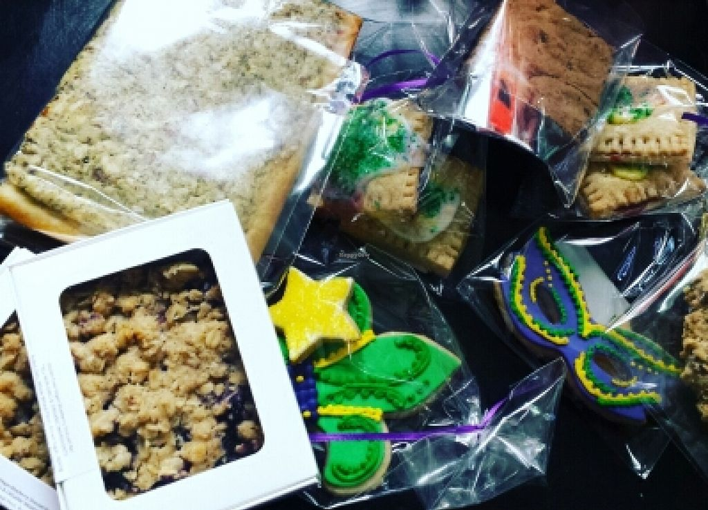 "Photo of Kahiau Organic Sweet Treats  by <a href=""/members/profile/amariebeauty127"">amariebeauty127</a> <br/>mardi gras day!!!vegan cookies and all jobs if DELICIOUS treats!  <br/> February 13, 2016  - <a href='/contact/abuse/image/68187/136155'>Report</a>"
