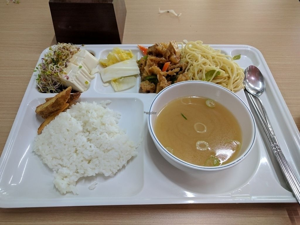 "Photo of Seoul National University Vegan Buffet - 서울대학교 채식뷔페  by <a href=""/members/profile/PhillipPark"">PhillipPark</a> <br/>April 25th, 2017 menu. Silken tofu, white kimchi, deep fried mushrooms with sweet sauce, spaghetti aglio e olio , potato wedges, coleslaw, & rice <br/> April 25, 2017  - <a href='/contact/abuse/image/68241/252233'>Report</a>"