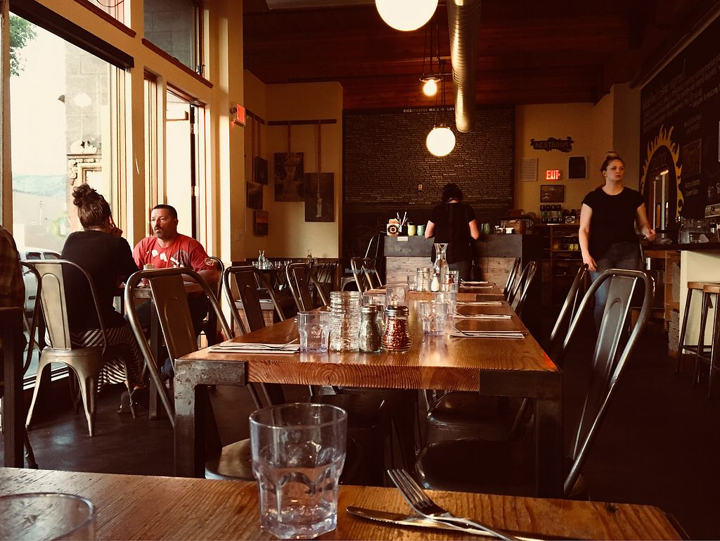 """Photo of Solstice Pizza  by <a href=""""/members/profile/Clean%26Green"""">Clean&Green</a> <br/>Inside seating  <br/> April 26, 2018  - <a href='/contact/abuse/image/68257/391090'>Report</a>"""