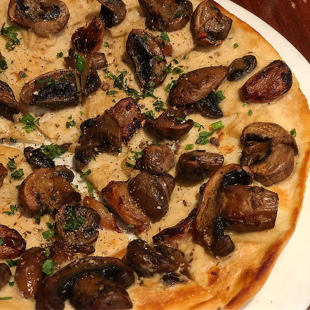 "Photo of Farelli's Trattoria  by <a href=""/members/profile/ben_eitel"">ben_eitel</a> <br/>Bianco Pizza with roasted mushrooms  <br/> March 10, 2018  - <a href='/contact/abuse/image/68261/368755'>Report</a>"