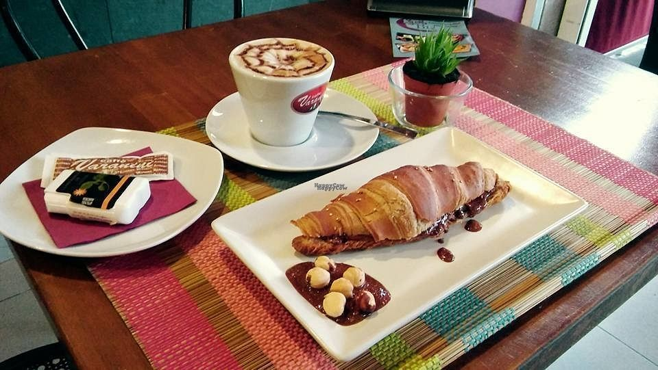 """Photo of CLOSED: B12  by <a href=""""/members/profile/B12"""">B12</a> <br/>veg croissant with """"nutella"""" hand made croissant vegano con """"nutella"""" casera <br/> September 18, 2016  - <a href='/contact/abuse/image/68307/176499'>Report</a>"""