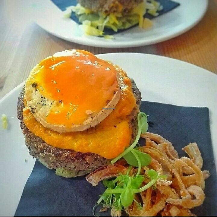 """Photo of Seize  by <a href=""""/members/profile/VeganArtChic"""">VeganArtChic</a> <br/>the vegan fried egg burger ?  <br/> August 16, 2017  - <a href='/contact/abuse/image/68314/293229'>Report</a>"""