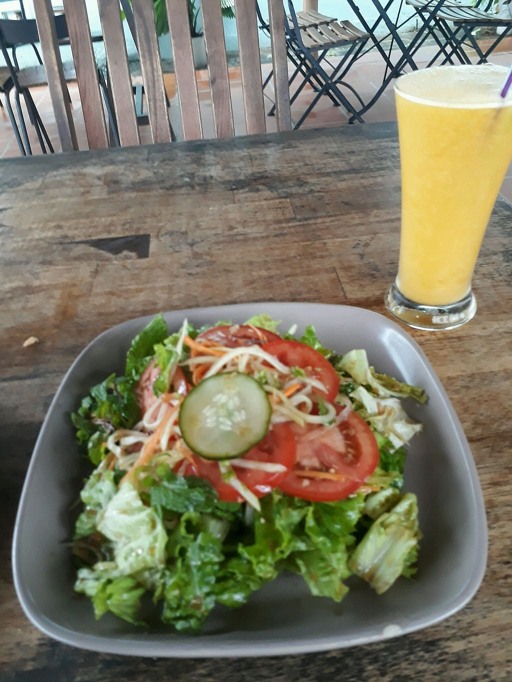 """Photo of Annen Vegetarian & Yoga  by <a href=""""/members/profile/LilacHippy"""">LilacHippy</a> <br/>Annen Salad and Mango and Orange Juice <br/> December 26, 2017  - <a href='/contact/abuse/image/68316/339141'>Report</a>"""