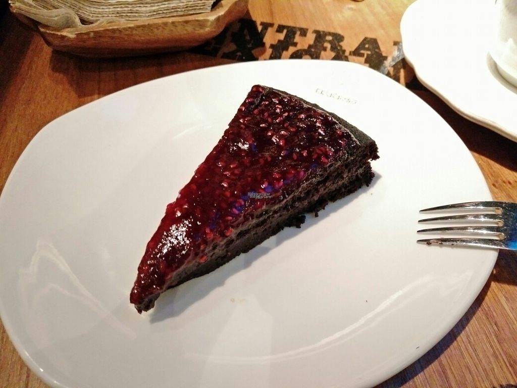 """Photo of Celicioso  by <a href=""""/members/profile/martinicontomate"""">martinicontomate</a> <br/>chocolate raspberry cake <br/> September 14, 2016  - <a href='/contact/abuse/image/68327/175722'>Report</a>"""