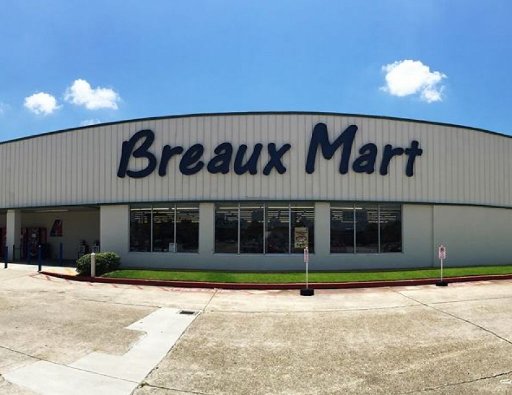 """Photo of Breaux Mart  by <a href=""""/members/profile/community"""">community</a> <br/>Breaux Mart <br/> April 25, 2016  - <a href='/contact/abuse/image/68349/201389'>Report</a>"""