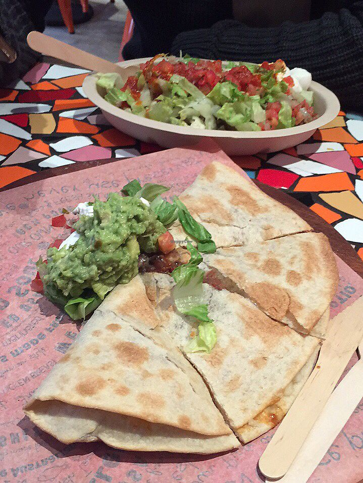 """Photo of Cali-Mex - Wan Chai  by <a href=""""/members/profile/010697"""">010697</a> <br/>spinach quesadilla with guacamole  <br/> July 26, 2017  - <a href='/contact/abuse/image/68404/285077'>Report</a>"""