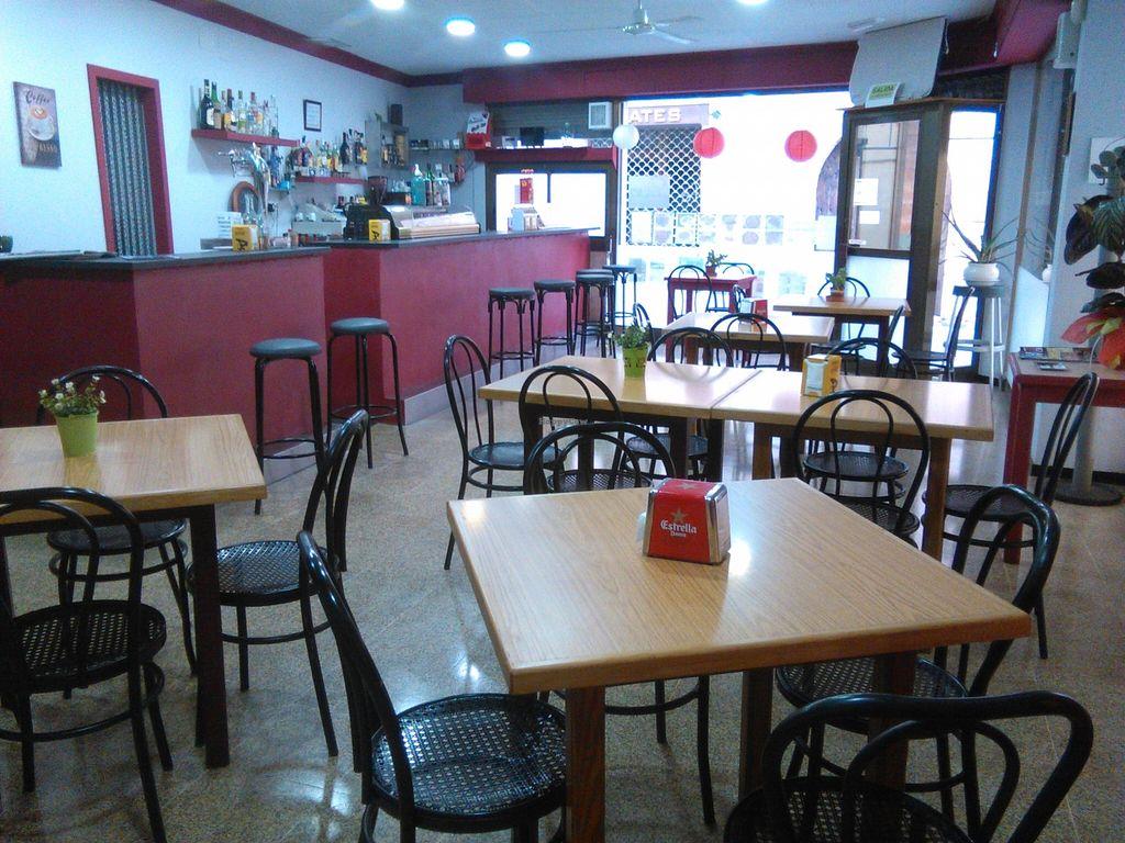 Photo of Festuk Cafe  by festuk <br/>Menú de martes a domingo. Viernes y sábado noche. Vegetariano y vegano. Bocadillos, tapas. Cocina casera. Leches vegetales, mermeladas y tartas caseras. Los viernes paella vegetariana. Domingos canelones de espinacas. Menús personalizados para gru <br/> January 21, 2016  - <a href='/contact/abuse/image/68479/133222'>Report</a>
