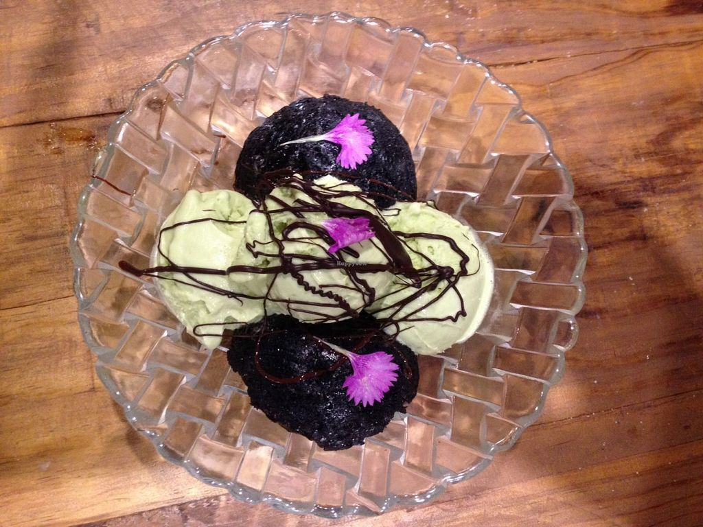 """Photo of CLOSED: Zoco Comidero-Bar  by <a href=""""/members/profile/NievesR"""">NievesR</a> <br/>Brownie with avocado ice cream <br/> January 22, 2016  - <a href='/contact/abuse/image/68499/133277'>Report</a>"""