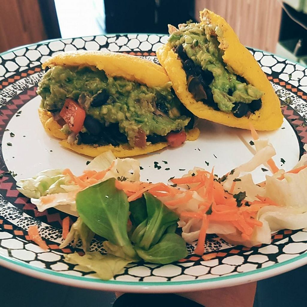 """Photo of El Sombrero Verde  by <a href=""""/members/profile/community"""">community</a> <br/>Colombian Arepas, crispy hotcakes with beans-Avocado-Tomato-filling <br/> May 19, 2016  - <a href='/contact/abuse/image/68639/149854'>Report</a>"""
