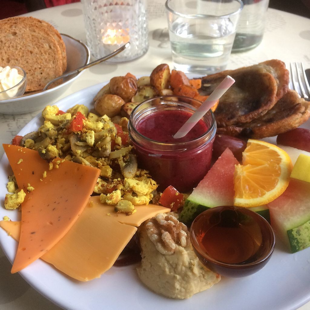 """Photo of Hannesarholt  by <a href=""""/members/profile/Cammiesen"""">Cammiesen</a> <br/>Vegan brunch :) <br/> November 13, 2017  - <a href='/contact/abuse/image/68652/325139'>Report</a>"""