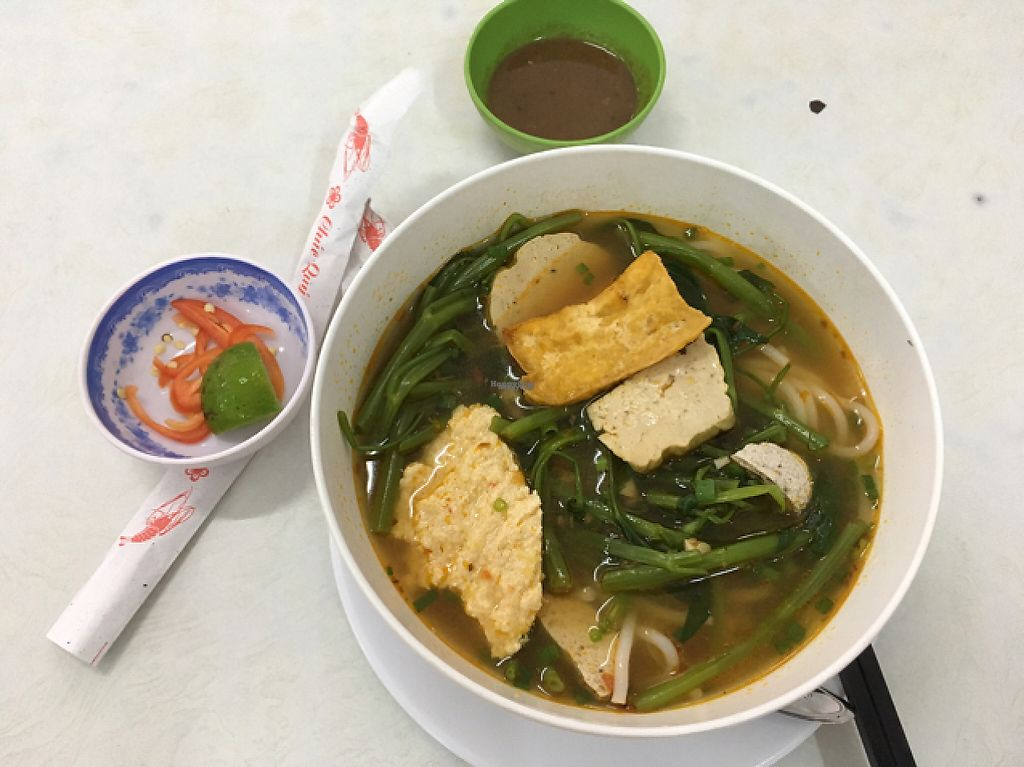 """Photo of Tiem Chay Dinh y   by <a href=""""/members/profile/Ohwellokay"""">Ohwellokay</a> <br/>Canh bun - Monday morning breakfast special - 35k vnd <br/> November 21, 2016  - <a href='/contact/abuse/image/68674/192773'>Report</a>"""