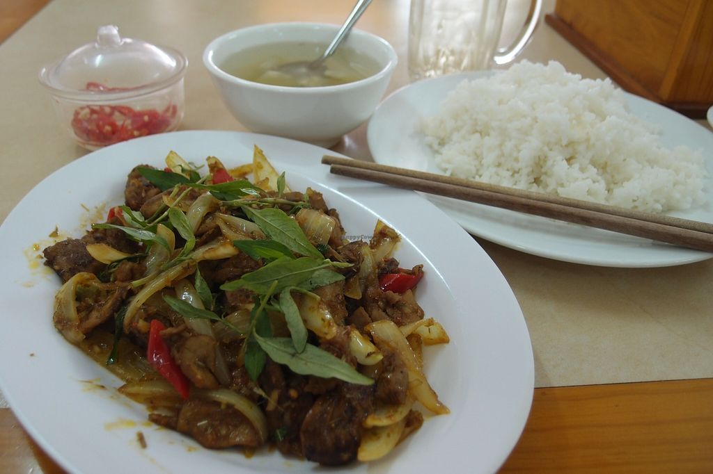 Photo of Chay Sen Vang 2 - Yellow Lotus 2  by Vegreg <br/>Sauteed lemongrass goat with curry <br/> January 25, 2016  - <a href='/contact/abuse/image/68682/133623'>Report</a>