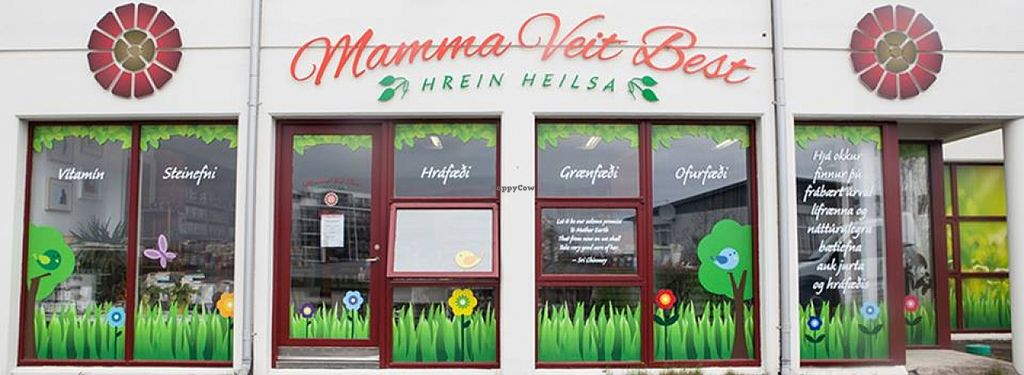 "Photo of Mamma Veit Best  by <a href=""/members/profile/missLape"">missLape</a> <br/>front of the shop <br/> January 24, 2016  - <a href='/contact/abuse/image/68691/133575'>Report</a>"