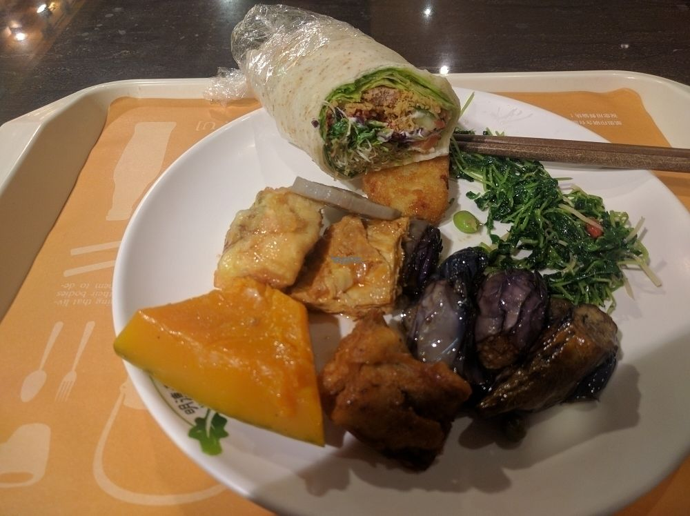 """Photo of Minder Vegetarian - Da'an District  by <a href=""""/members/profile/Regneel"""">Regneel</a> <br/>excellent value and delicious!! <br/> October 19, 2016  - <a href='/contact/abuse/image/68891/182903'>Report</a>"""