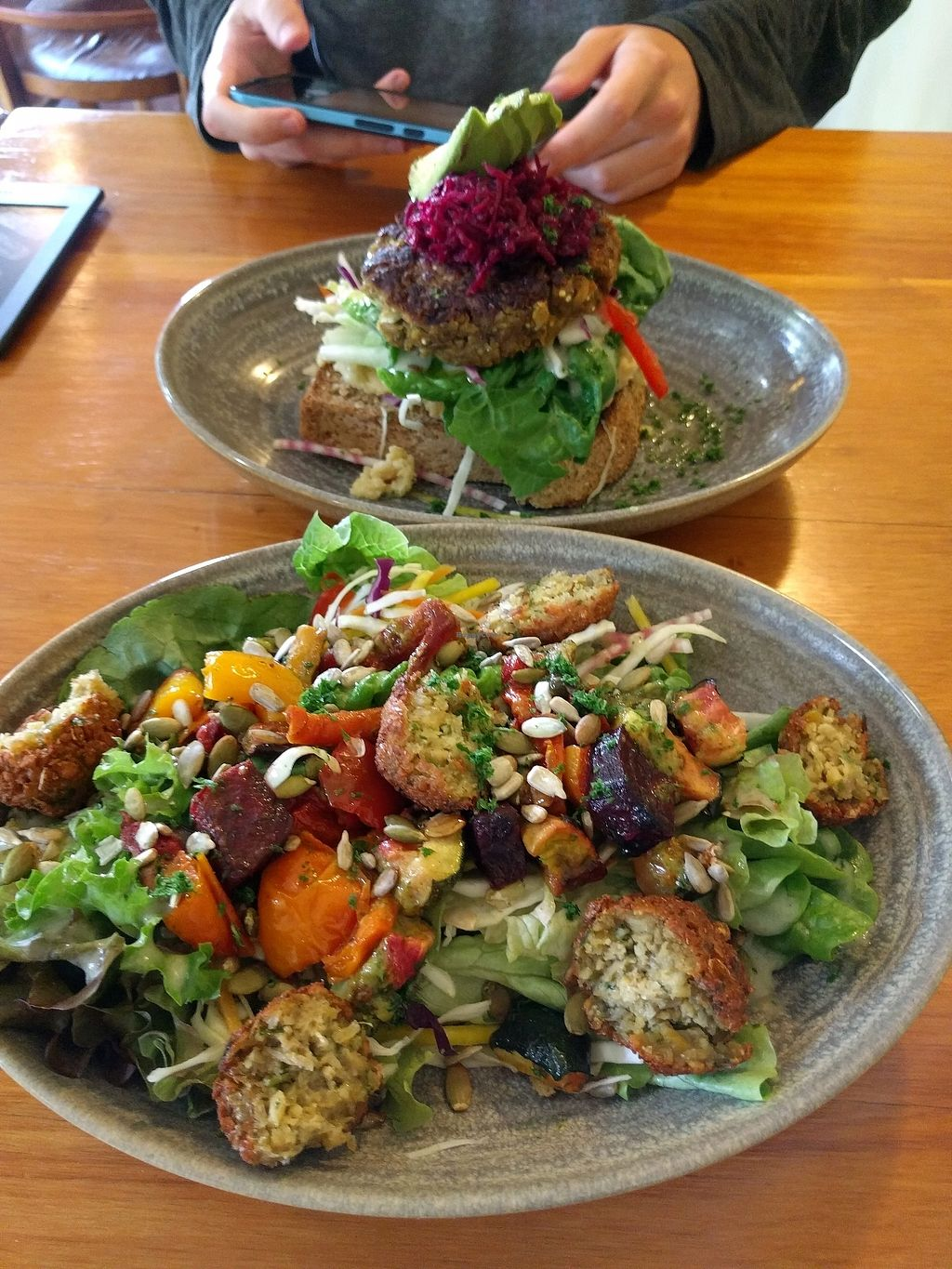 """Photo of Hislop's Cafe  by <a href=""""/members/profile/avs443"""">avs443</a> <br/>salad and burger dishes  <br/> February 23, 2018  - <a href='/contact/abuse/image/6890/362915'>Report</a>"""