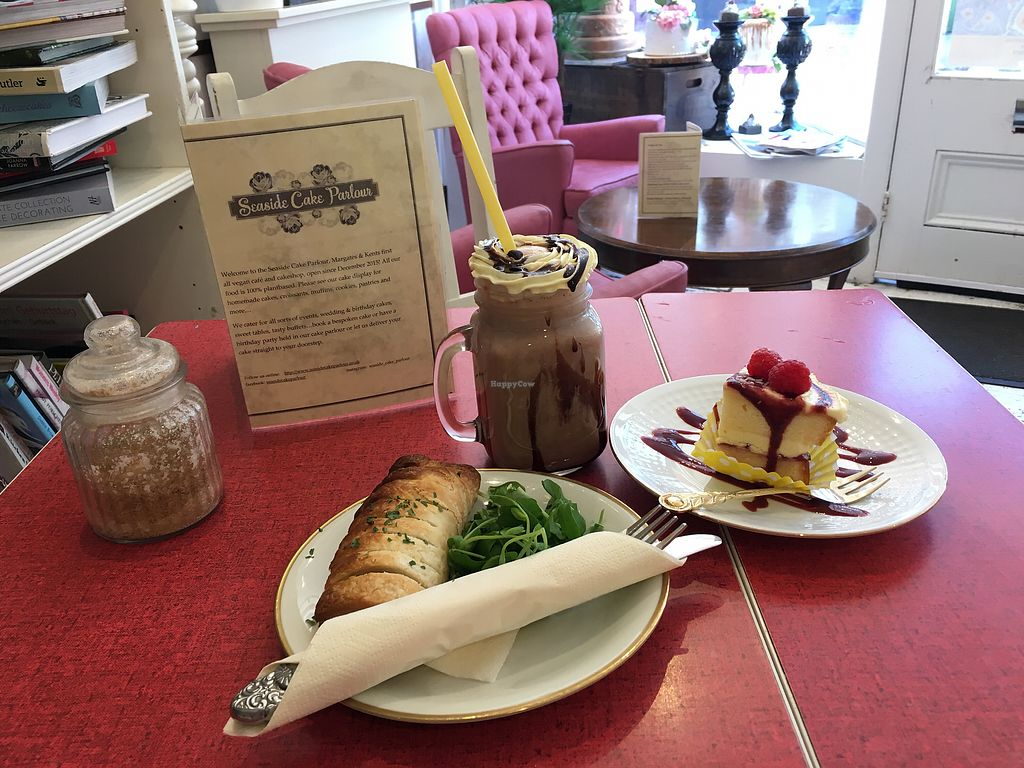 "Photo of Seaside Cake Parlour  by <a href=""/members/profile/MeeshEdmonds"">MeeshEdmonds</a> <br/>Table for one! <br/> April 6, 2018  - <a href='/contact/abuse/image/69071/381479'>Report</a>"