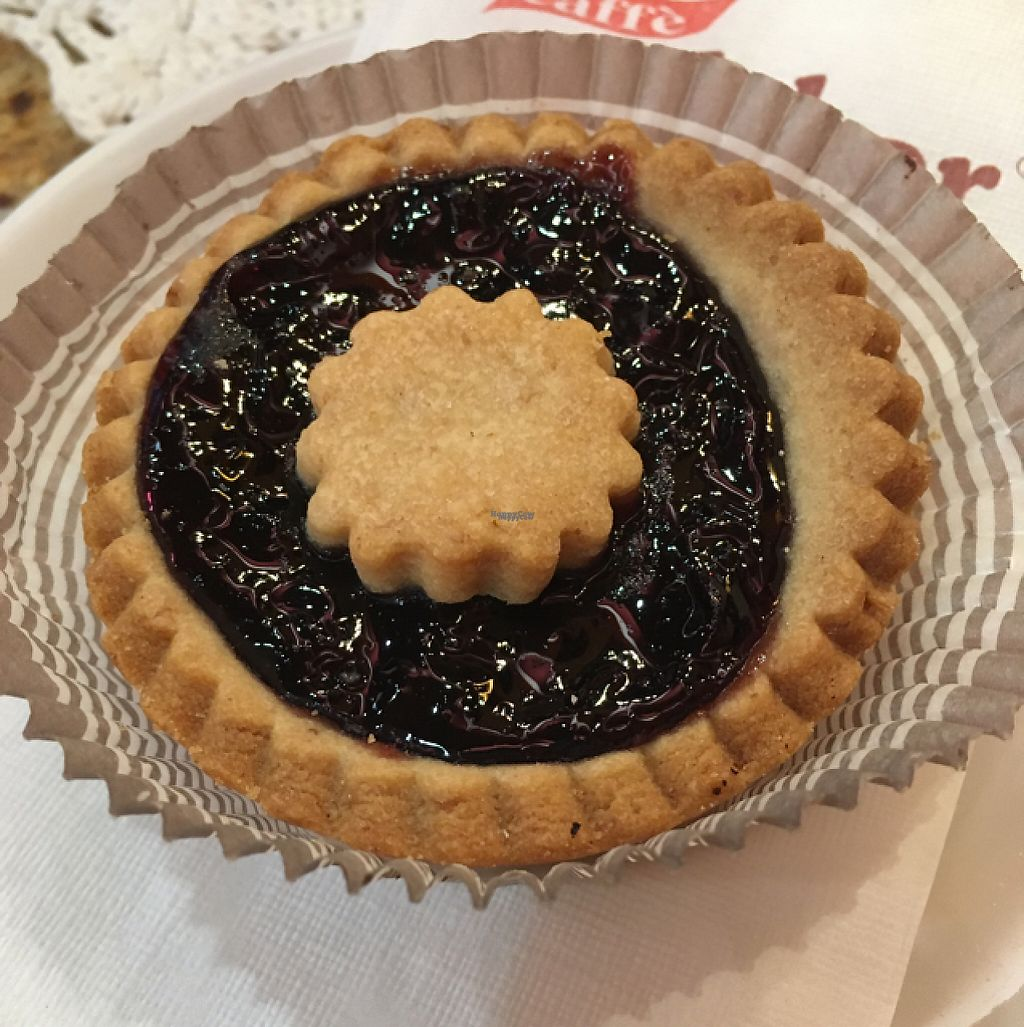 """Photo of 'L Cit Cafe  by <a href=""""/members/profile/hokusai77"""">hokusai77</a> <br/>vegan blackberry tart <br/> February 3, 2017  - <a href='/contact/abuse/image/69142/221552'>Report</a>"""