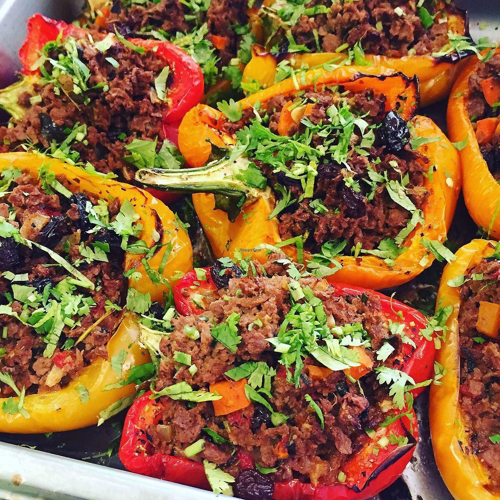 """Photo of El Punto Vegano  by <a href=""""/members/profile/Felipe.gonzalez"""">Felipe.gonzalez</a> <br/>Pimientos rellenos de soya; stuffed bell peppers with soya  <br/> November 23, 2017  - <a href='/contact/abuse/image/69301/328501'>Report</a>"""