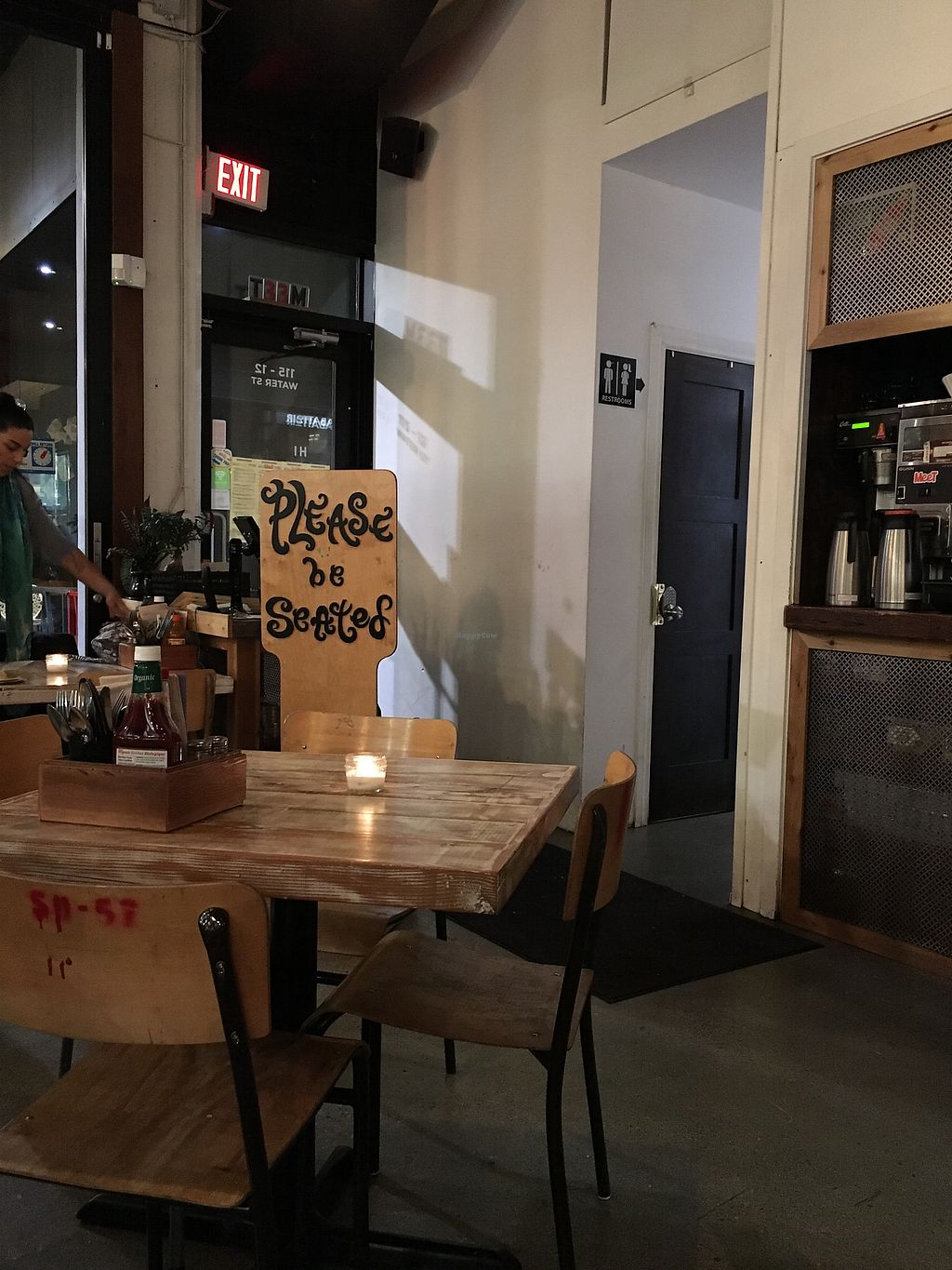 "Photo of MeeT in Gastown  by <a href=""/members/profile/Siup"">Siup</a> <br/>Location <br/> February 5, 2018  - <a href='/contact/abuse/image/69316/355120'>Report</a>"
