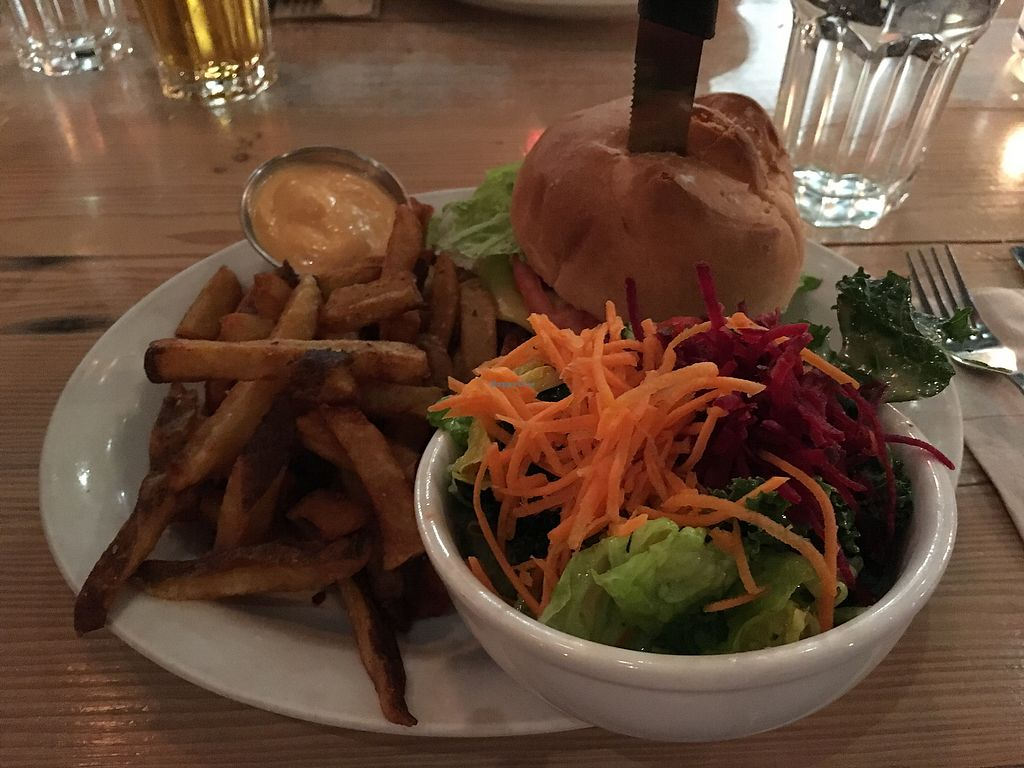 "Photo of MeeT in Gastown  by <a href=""/members/profile/Siup"">Siup</a> <br/>Double double burger  <br/> February 5, 2018  - <a href='/contact/abuse/image/69316/355123'>Report</a>"