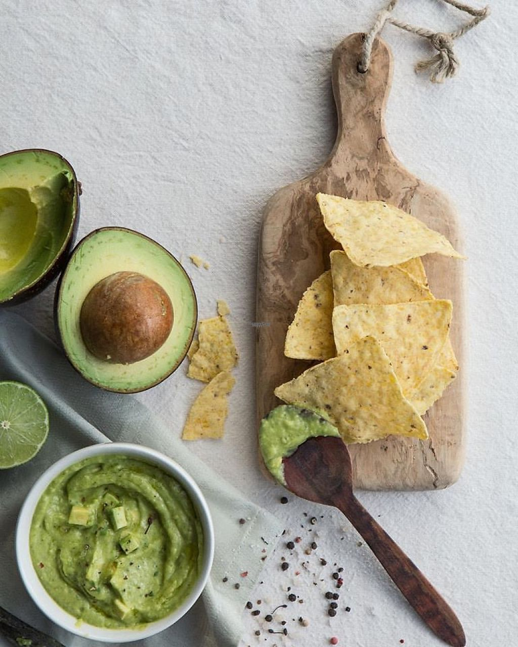 """Photo of Mundo Verde  by <a href=""""/members/profile/community"""">community</a> <br/>guacamole and nachos  <br/> March 7, 2017  - <a href='/contact/abuse/image/69354/233781'>Report</a>"""