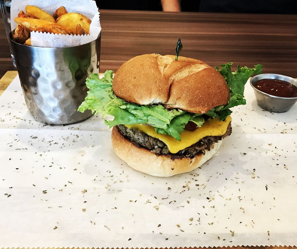"""Photo of Vurgers  by <a href=""""/members/profile/eliestafeliz"""">eliestafeliz</a> <br/>Among the best Vegan Food in Costa Rica, absolutely recommended to Vegan and non Vegan People!! You gotta love this place!! Now they have express so no excuse to not try their amazing food!!  <br/> July 3, 2017  - <a href='/contact/abuse/image/69543/276380'>Report</a>"""