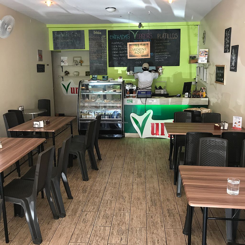 """Photo of Vurgers  by <a href=""""/members/profile/earthville"""">earthville</a> <br/>Dining room and counter <br/> January 20, 2018  - <a href='/contact/abuse/image/69543/348963'>Report</a>"""