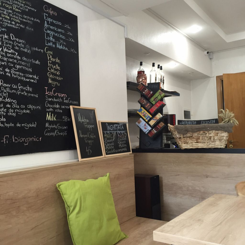 """Photo of BIOrganic Raw Cafe  by <a href=""""/members/profile/Veganmeower"""">Veganmeower</a> <br/>cute lil place <br/> August 22, 2016  - <a href='/contact/abuse/image/69552/170673'>Report</a>"""