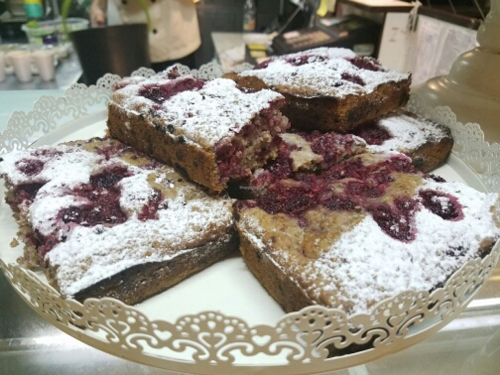 """Photo of Cocina Vegeteriana  by <a href=""""/members/profile/kenvegan"""">kenvegan</a> <br/>Berry Cake <br/> April 4, 2016  - <a href='/contact/abuse/image/69567/142700'>Report</a>"""