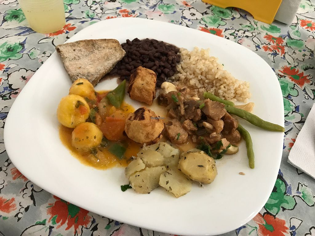 """Photo of Vila Sabor  by <a href=""""/members/profile/Paolla"""">Paolla</a> <br/>Hot dishes <br/> July 24, 2017  - <a href='/contact/abuse/image/69570/284092'>Report</a>"""