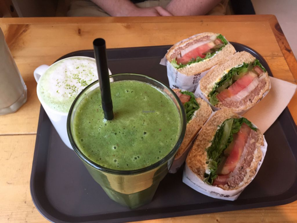 """Photo of Kong's Burger - Gaya-daero  by <a href=""""/members/profile/StephanieMarkowitz"""">StephanieMarkowitz</a> <br/>kale smoothie and the beans burger  <br/> June 4, 2016  - <a href='/contact/abuse/image/69587/152276'>Report</a>"""