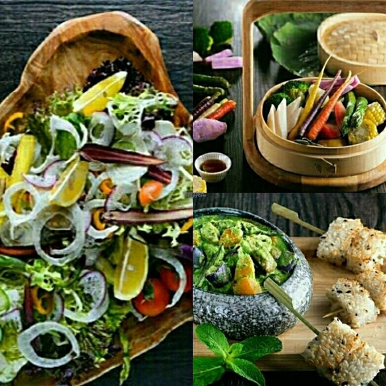 """Photo of CLOSED: Vanimal  by <a href=""""/members/profile/Apple%26Pear"""">Apple&Pear</a> <br/>Daily Catch, Steamed Veg Basket & Green Curry with Grilled Rice Cake <br/> October 22, 2016  - <a href='/contact/abuse/image/69594/183701'>Report</a>"""