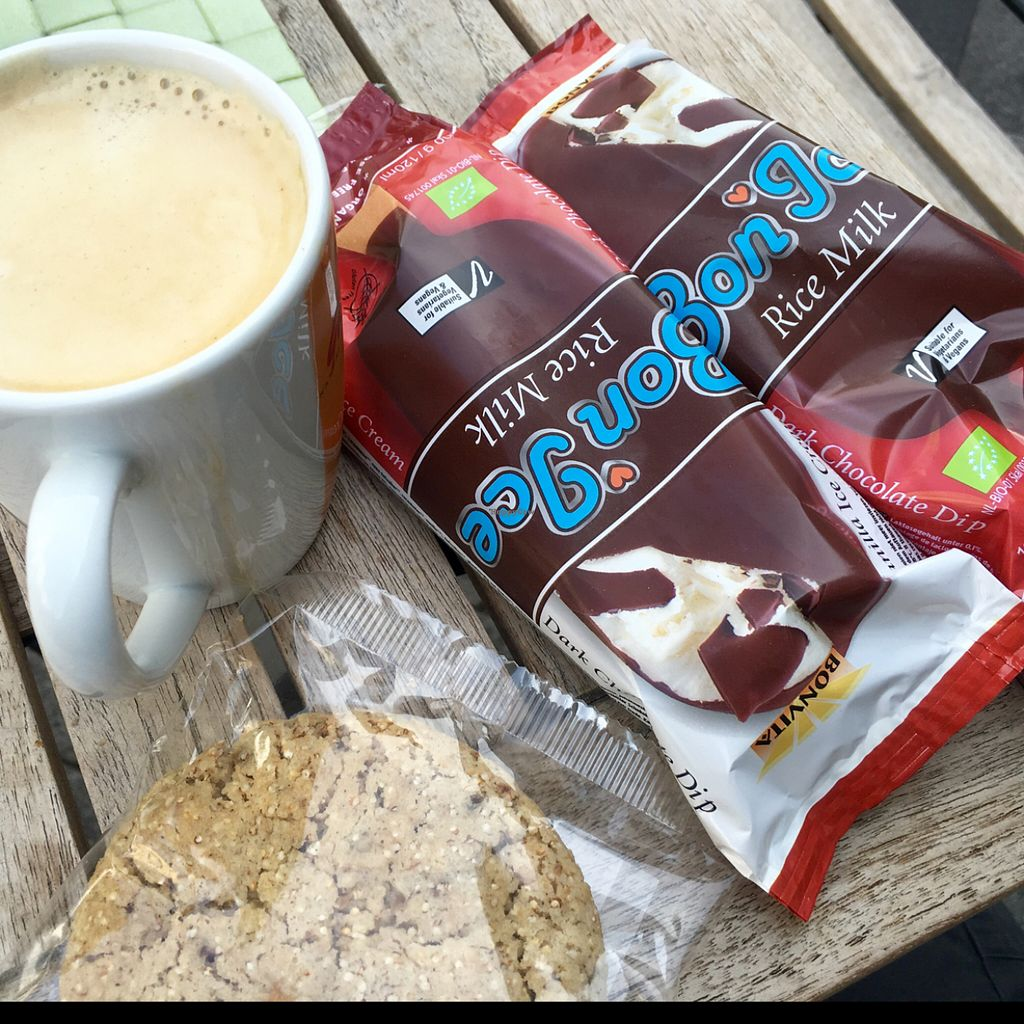"""Photo of denn's Biomarkt - Severinstrasse  by <a href=""""/members/profile/marky_mark"""">marky_mark</a> <br/>vegan coffee break ;) <br/> July 22, 2016  - <a href='/contact/abuse/image/69649/161579'>Report</a>"""