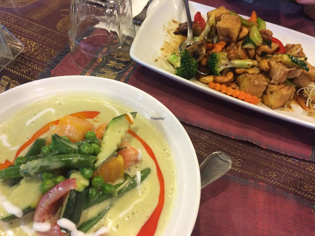 "Photo of Amazing Thai Restaurant  by <a href=""/members/profile/xtinargh"">xtinargh</a> <br/>green curry and cashew tofu stir fry <br/> November 30, 2016  - <a href='/contact/abuse/image/69787/195942'>Report</a>"