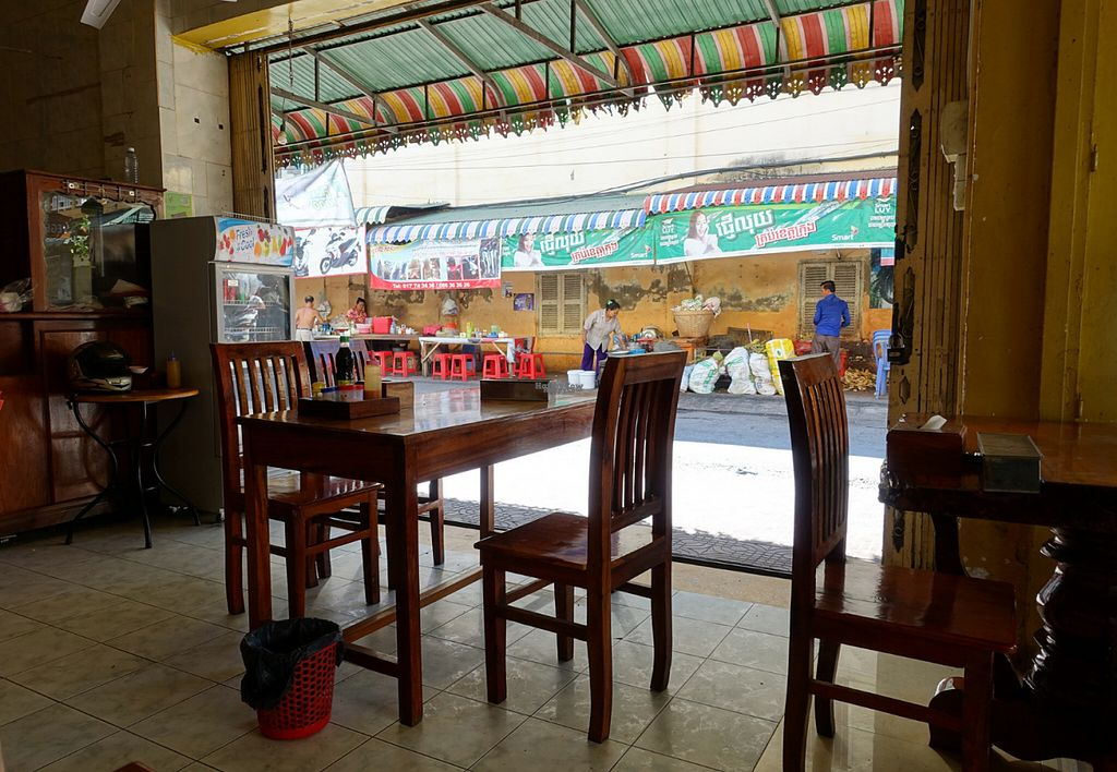 "Photo of CLOSED: Battambang Vegetarian Food  by <a href=""/members/profile/DusselDaene"">DusselDaene</a> <br/>Restaurant <br/> November 6, 2016  - <a href='/contact/abuse/image/69813/187015'>Report</a>"