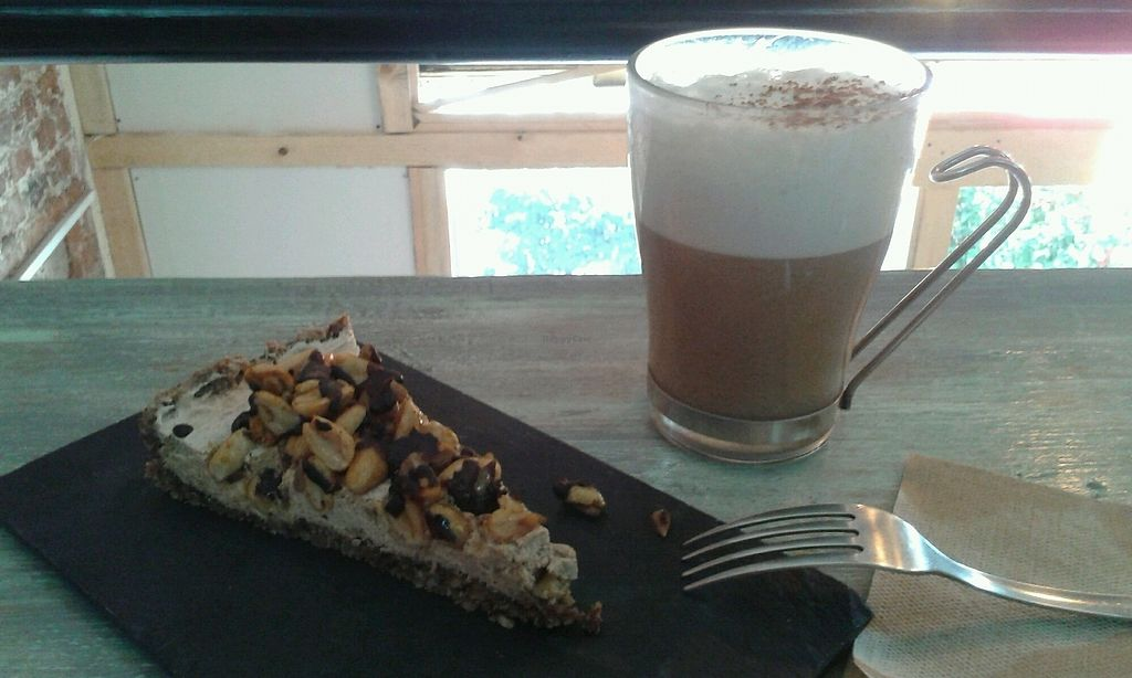 "Photo of VegAmo MX  by <a href=""/members/profile/Doro%2A"">Doro*</a> <br/>raw banana/choco/peanut cake and ""dirty chai"" (with coffee) <br/> October 21, 2017  - <a href='/contact/abuse/image/69913/317386'>Report</a>"