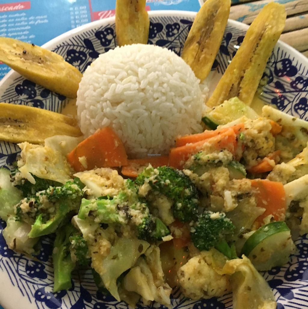 "Photo of Cafe Mar  by <a href=""/members/profile/Lampky"">Lampky</a> <br/>vegetables with salsa de coco <br/> May 10, 2017  - <a href='/contact/abuse/image/70023/257493'>Report</a>"