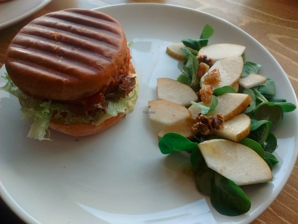 """Photo of L'Herbivore  by <a href=""""/members/profile/Toast%20and%20Avocado"""">Toast and Avocado</a> <br/>seitan burger <br/> October 15, 2016  - <a href='/contact/abuse/image/70054/182260'>Report</a>"""