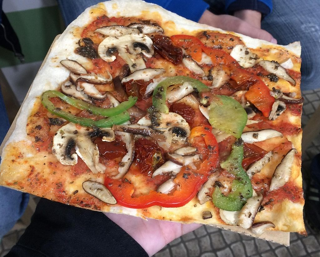 """Photo of Hand Go  by <a href=""""/members/profile/LilianaNicolau"""">LilianaNicolau</a> <br/>Vegan Pizza <br/> February 25, 2016  - <a href='/contact/abuse/image/70072/241623'>Report</a>"""