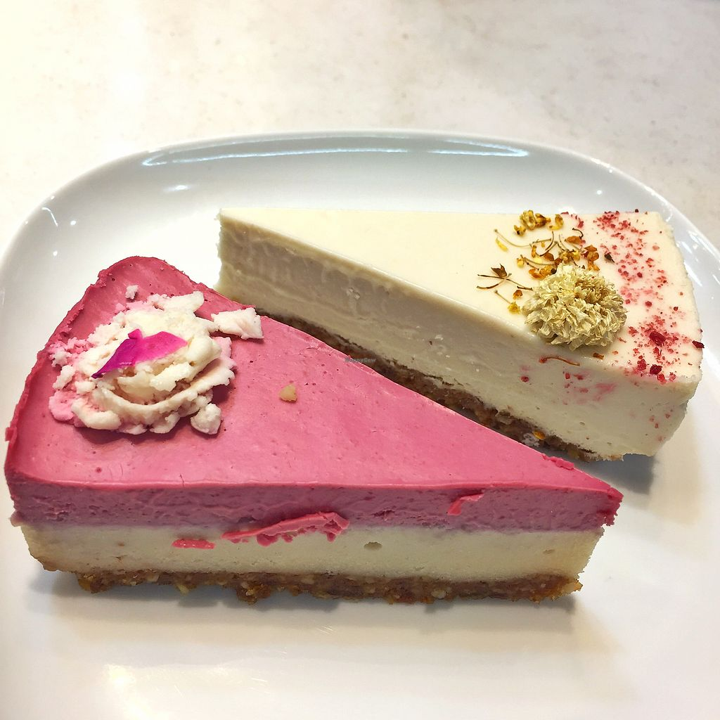 "Photo of Universe Cafe - City Hall MRT  by <a href=""/members/profile/HaileyPoLa"">HaileyPoLa</a> <br/>lemon cheesecake and raspberry cheesecake  <br/> July 22, 2017  - <a href='/contact/abuse/image/70198/283290'>Report</a>"