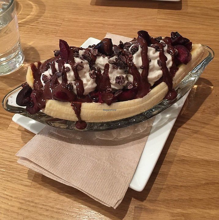 "Photo of CLOSED: Rawlicious Ottawa  by <a href=""/members/profile/pigletpooh"">pigletpooh</a> <br/>Banana Split with Strawberry Ice Cream  <br/> October 17, 2017  - <a href='/contact/abuse/image/70201/316181'>Report</a>"