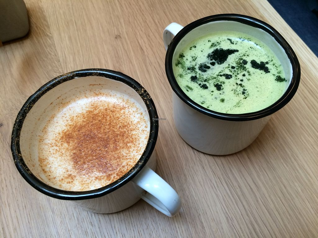 """Photo of Wild & The Moon - rue Charlot  by <a href=""""/members/profile/LisaCupcake"""">LisaCupcake</a> <br/>Chai lattè made with almond milk and matcha lattè made with coconut and spirulina <br/> February 27, 2016  - <a href='/contact/abuse/image/70212/137960'>Report</a>"""