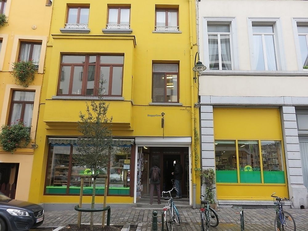 """Photo of Den Teepot - Bioshop  by <a href=""""/members/profile/TrudiBruges"""">TrudiBruges</a> <br/>Den Theepot <br/> November 23, 2017  - <a href='/contact/abuse/image/70218/328424'>Report</a>"""