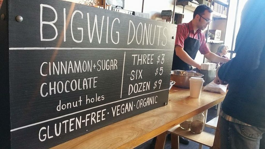 "Photo of Bigwig Donuts - Pop-up  by <a href=""/members/profile/Arthousebill"">Arthousebill</a> <br/>Mark selling his donuts <br/> April 14, 2016  - <a href='/contact/abuse/image/70221/144632'>Report</a>"