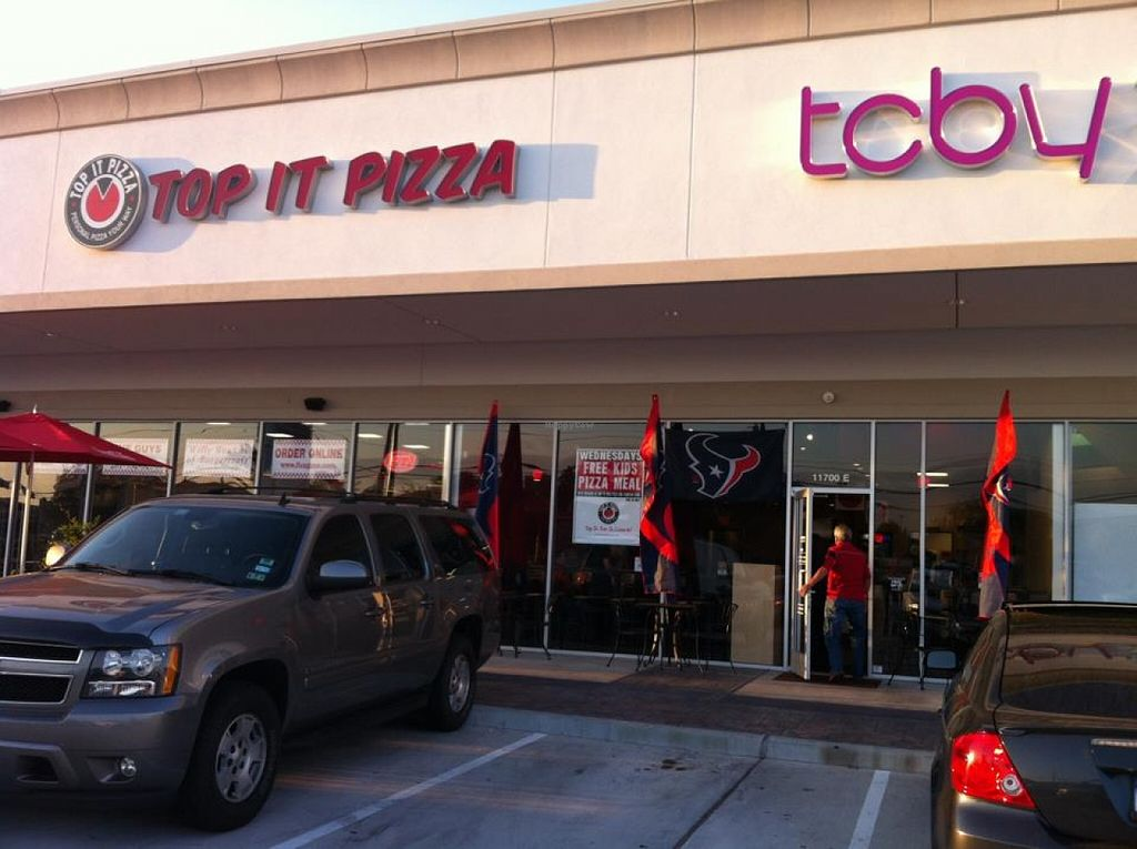 """Photo of Top It Pizza  by <a href=""""/members/profile/community"""">community</a> <br/>Top It Pizza  <br/> March 9, 2016  - <a href='/contact/abuse/image/70307/139416'>Report</a>"""