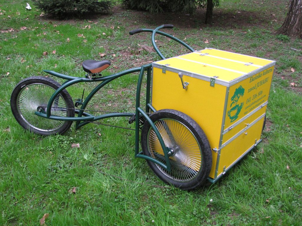 """Photo of Juhahu  by <a href=""""/members/profile/slovenianvegan"""">slovenianvegan</a> <br/>Delivery tricycle <br/> May 17, 2018  - <a href='/contact/abuse/image/70311/401014'>Report</a>"""