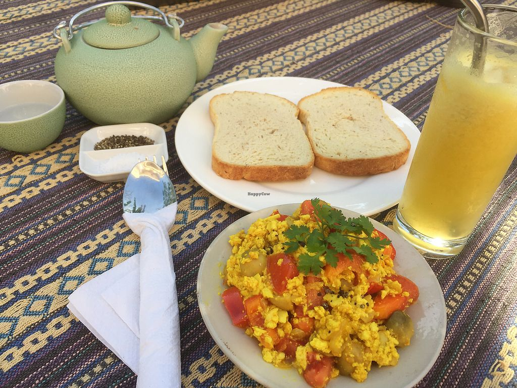 "Photo of Nomad Cafe  by <a href=""/members/profile/SusanRoberts"">SusanRoberts</a> <br/>Scramble tofu and veggies  <br/> January 18, 2018  - <a href='/contact/abuse/image/70333/347901'>Report</a>"