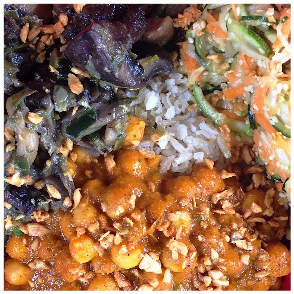"""Photo of CLOSED: The Pot - Calle 90  by <a href=""""/members/profile/santiagovf"""">santiagovf</a> <br/>Bowl with whole grain rice, mushrooms, chickpeas, zucchini and roasted garlic as topping <br/> July 1, 2016  - <a href='/contact/abuse/image/70508/157211'>Report</a>"""