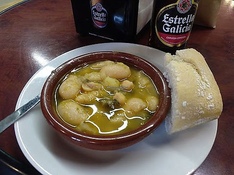 "Photo of La Alpargata  by <a href=""/members/profile/LeFunks"">LeFunks</a> <br/>Free tapa with every drink: white beans + chickpea stew <br/> February 12, 2018  - <a href='/contact/abuse/image/70641/358345'>Report</a>"