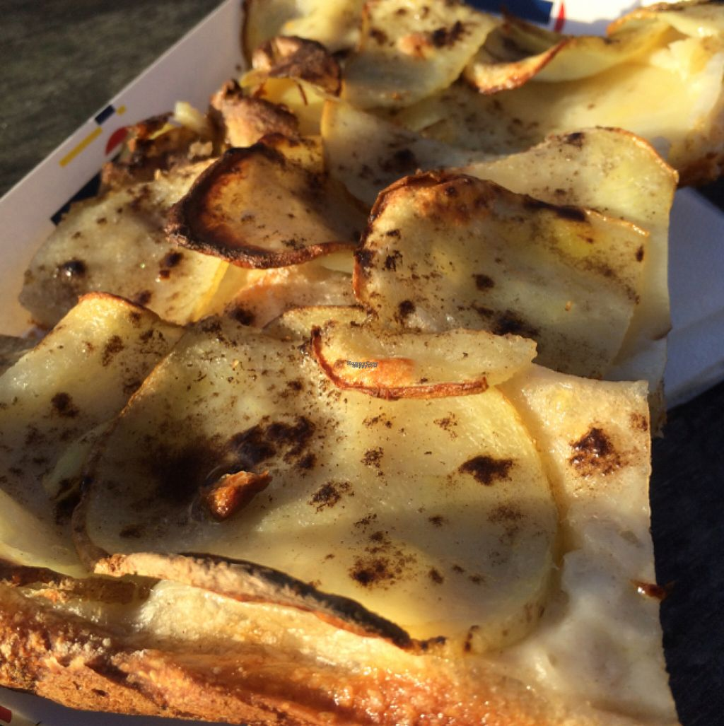 """Photo of MADENITALY  by <a href=""""/members/profile/Marieanne"""">Marieanne</a> <br/>pizza with potatoe and truffle  <br/> November 7, 2016  - <a href='/contact/abuse/image/70650/187273'>Report</a>"""